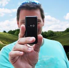 hombre con cámara de móvil